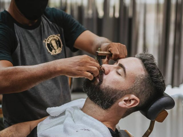 How to trim a beard the right way